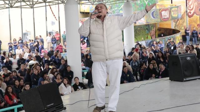 Cantan en Reclusorios en la Voz Penitenciaria