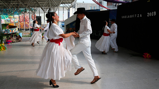 GUELAGUETZA-LLEGA-AL-CENTRO-FEMENIL-SANTA-MARTHA-ACATITLA2.jpg